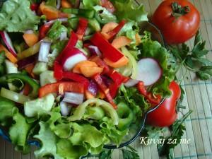 Salata u bojama proljeća