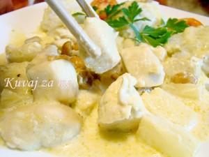 Piletina sa ananasom i kikirikijem (1)Piletina sa ananasom i kikirikijem