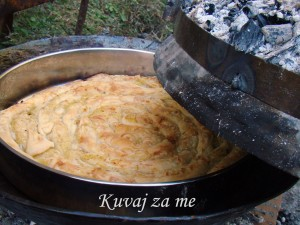Krompiruša sa domaćim korama