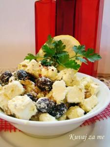 Feta sir sa orasima i maslinama (3)